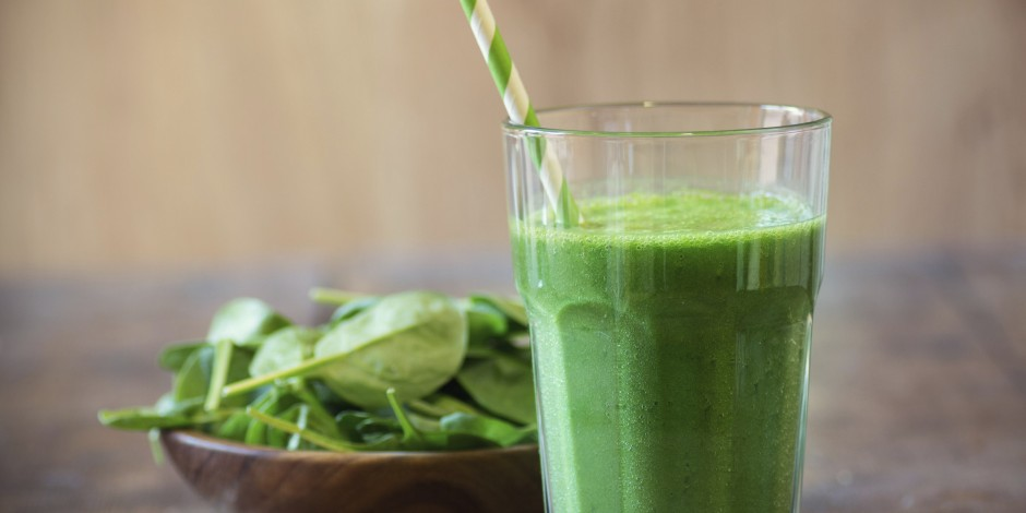 Photo by http://i.huffpost.com/gen/2850440/images/o-OWN-OWNSHOW-GREEN-SMOOTHIE-RECIPE-facebook.jpg