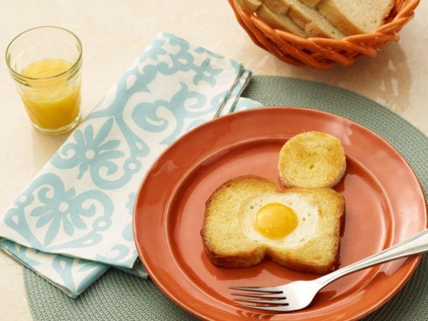 wu-0102_egg-in-hole_s4x3-jpg-rend-sniipadlarge