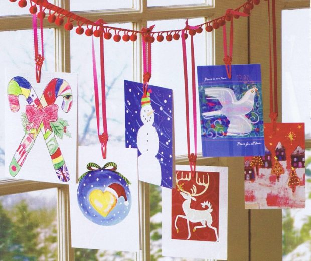 tremendous-christmas-card-holder-display-ideas-using-those-makes-the-cards-easy-to-pom-finaljpg-metal-stand-1024x859.jpg